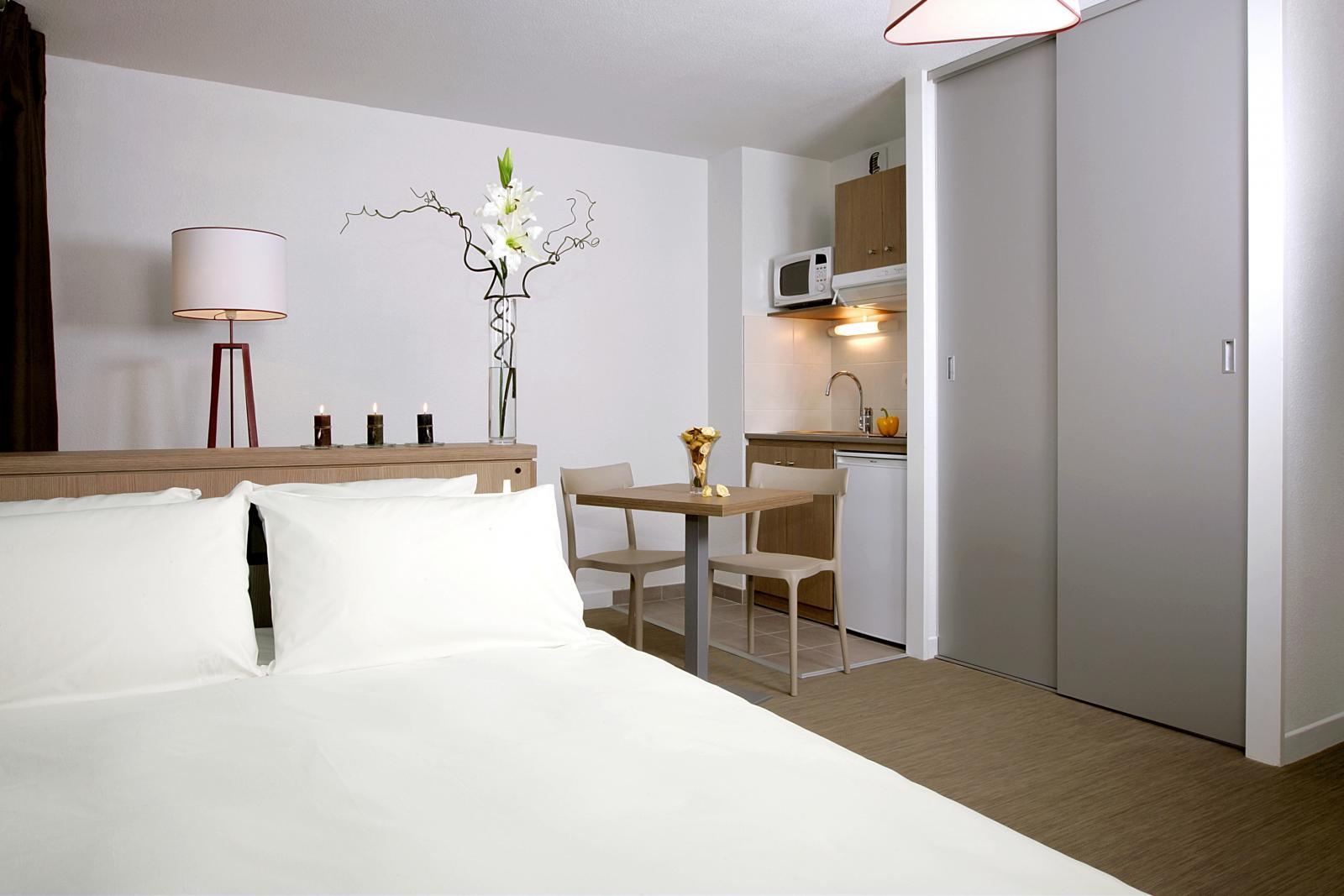 location appartement clermont ferrand traitez en p p. Black Bedroom Furniture Sets. Home Design Ideas